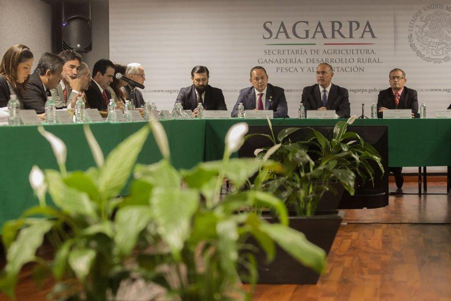 Refuerzan SAGARPA y legisladores transparencia en aplicación de programas del campo