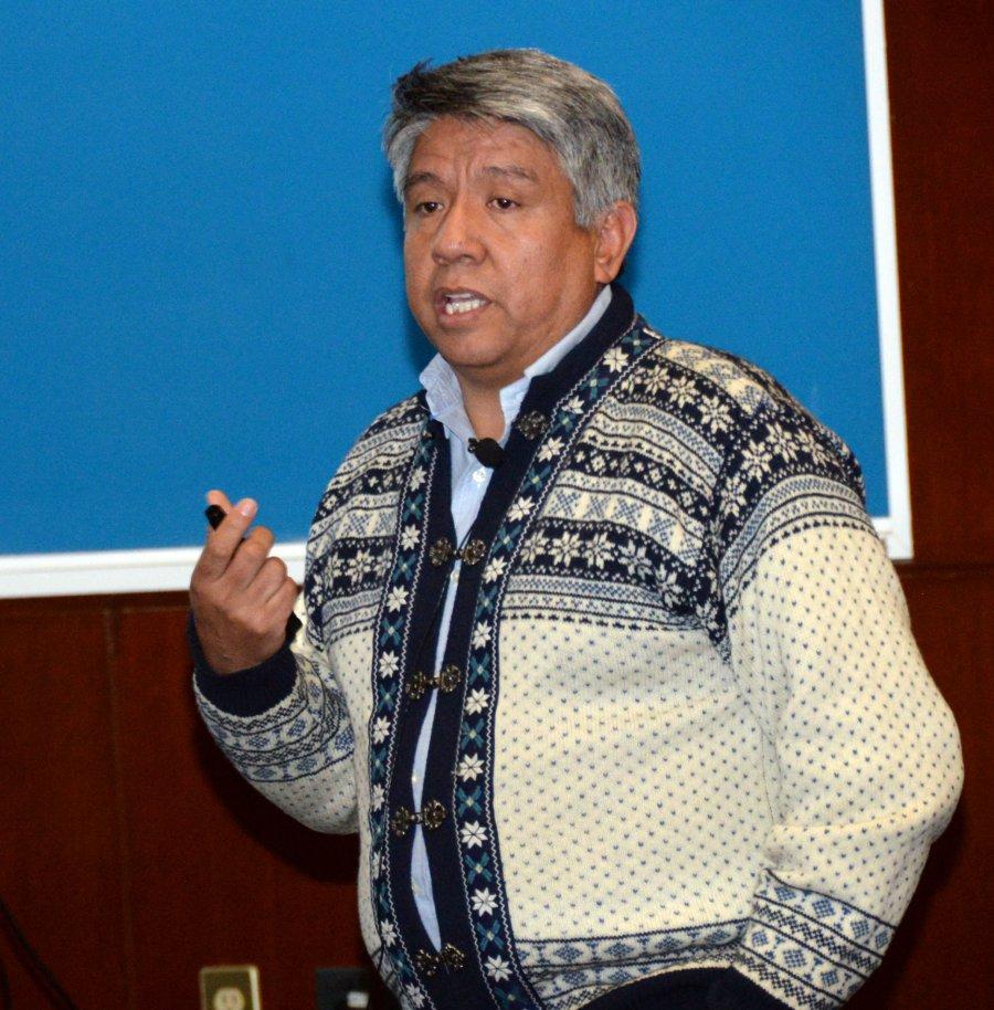 INVESTIGADORES DE LA UNAM DESARROLLAN POLÍMEROS INTELIGENTES PARA SUMINISTRAR FÁRMACOS