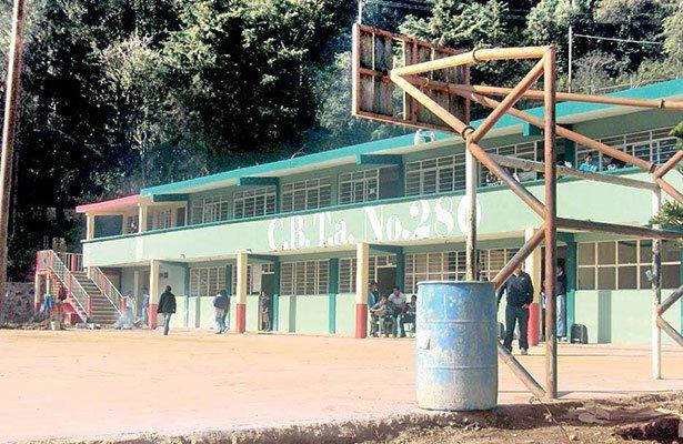 Urge programa de deschatarrización de mobiliario, enseres y materiales en escuelas públicas