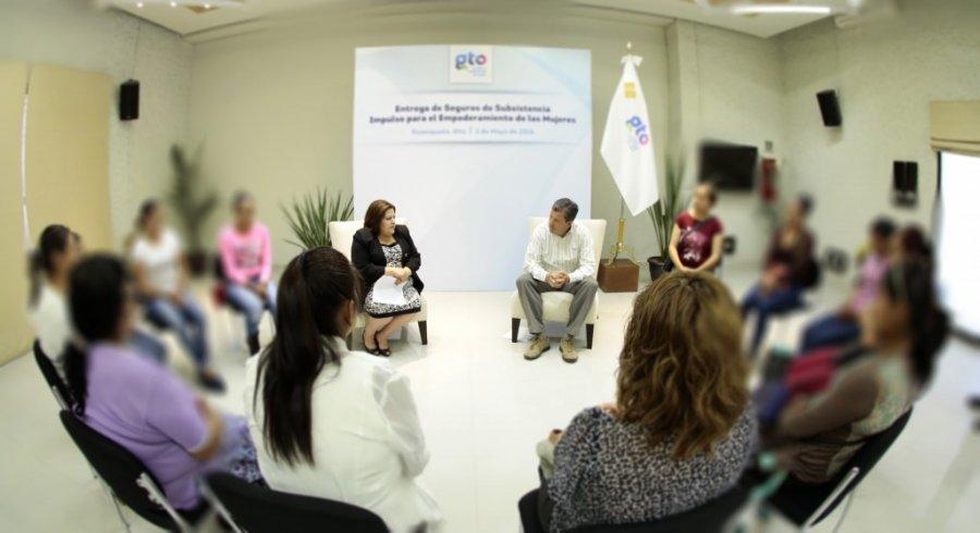 El estado brindará apoyo a 900 mujeres en situación de vulnerabilidad.