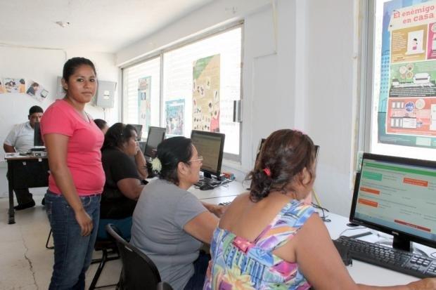 Continúa el IEAT labor educativa con calidad y calidez humana en plazas comunitarias