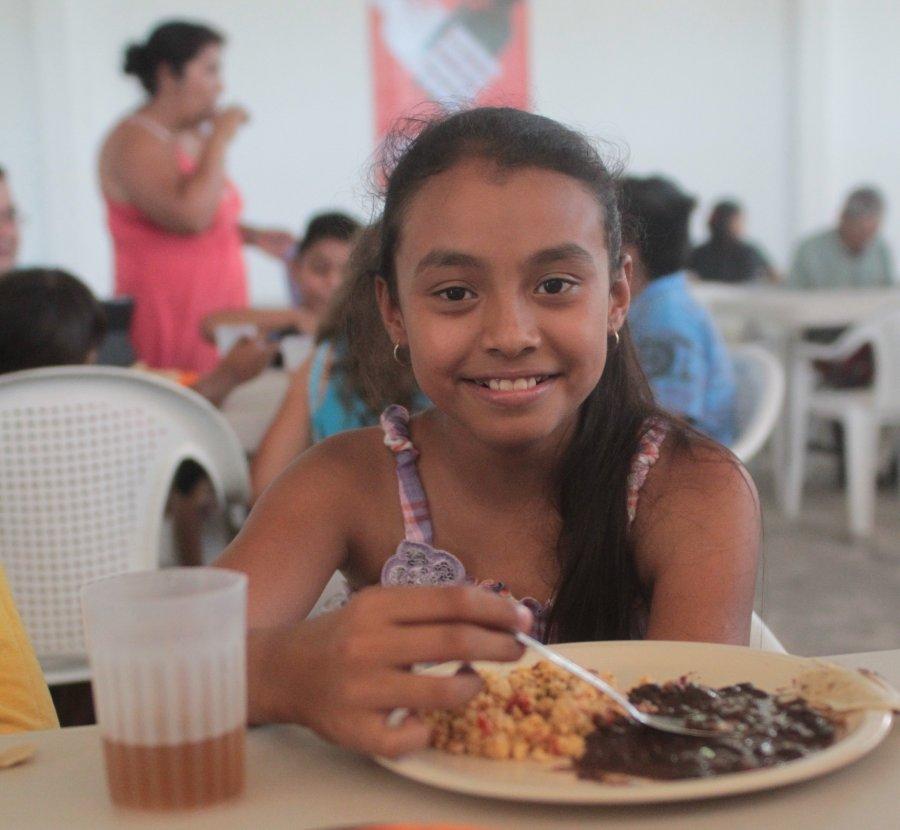 Los Comedores Comunitarios mejoran las condiciones nutricionales de la población con vulnerabilidad alimentaria.