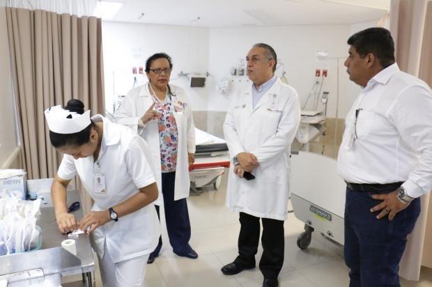 Supervisan obras en el Hospital de la Mujer