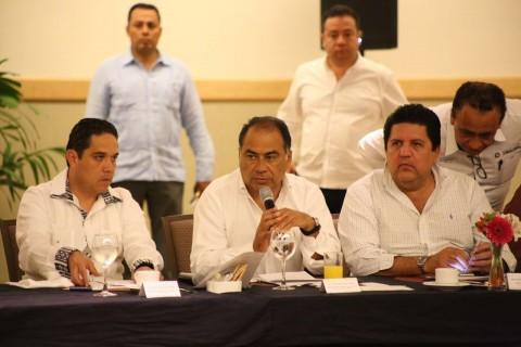 Héctor Astudillo y concesionarios afinan últimos detalles del Acabús