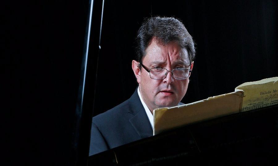 El pianista Hermann Esquivel llevará la intimidad de sus obras al Museo José Luis Cuevas