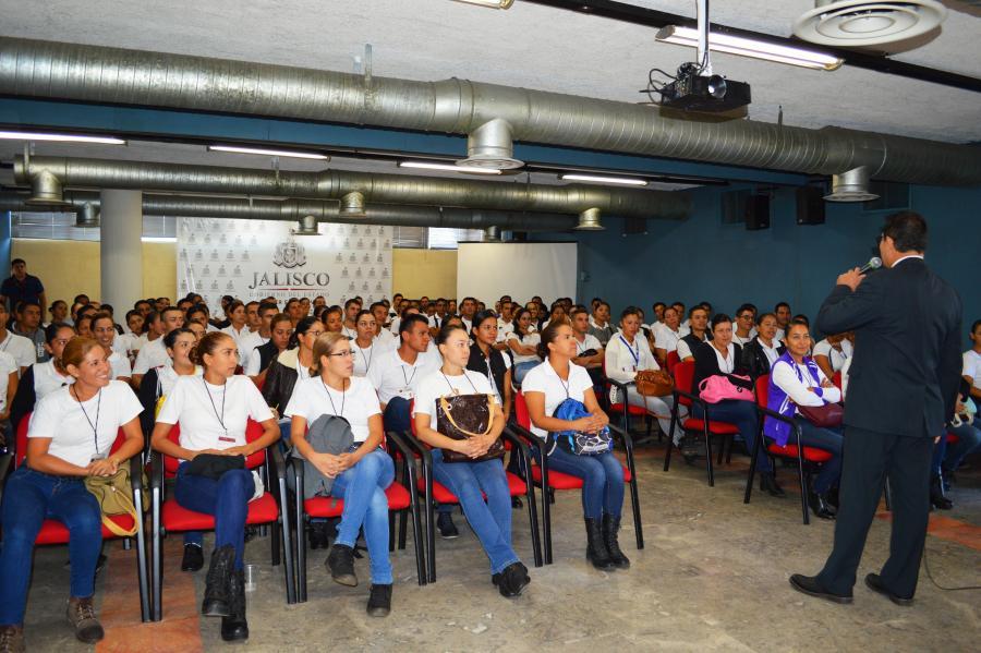 Explican a futuros policías viales las funciones y la estructura de la SEMOV