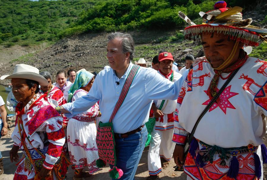Diconsa abastece productos básicos a 11 comunidades de la presa de Aguamilpa en Nayarit