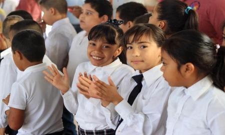 Más de 140 mil estudiantes regresan a clases este lunes