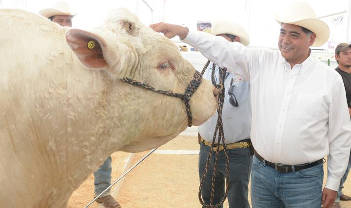 Reconoce Gobernador trabajo de ganaderos