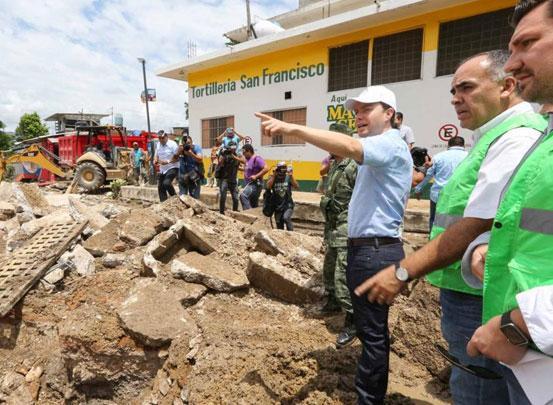 Entrega Velasco 1.5 mdp en apoyos a comercios afectados por lluvias en Tuxtla