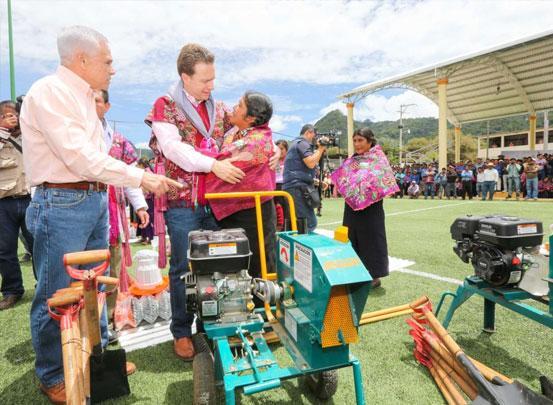 El diálogo es el camino: Gobernador Velasco