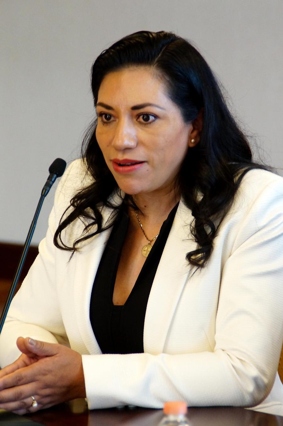 Nombra gobernador Omar Fayad, a Patricia González como directora del sistema DIF Hidalgo