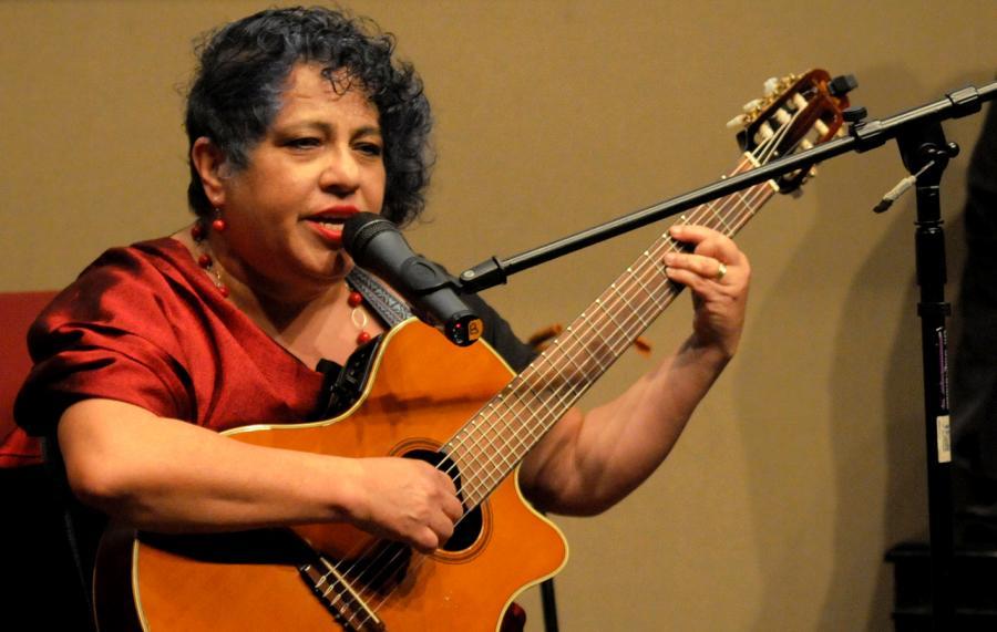 Lo más importante para hacer música no es la voz, ni las manos u ojos, sino los oídos: Patricia Carrión