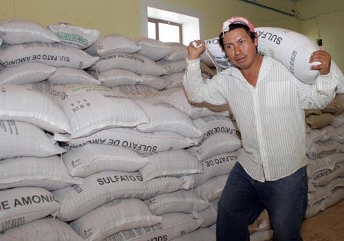 BENEFICIA GOBIERNO DEL ESTADO CON MÁS DE 100 MIL ACCIONES A PRODUCTORES AGRÍCOLAS