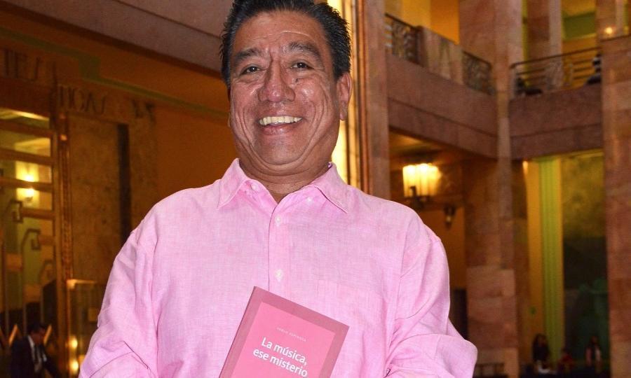 """Pablo Espinosa presentó en Bellas Artes La música, ese misterio, un libro """"escrito con el alma"""""""