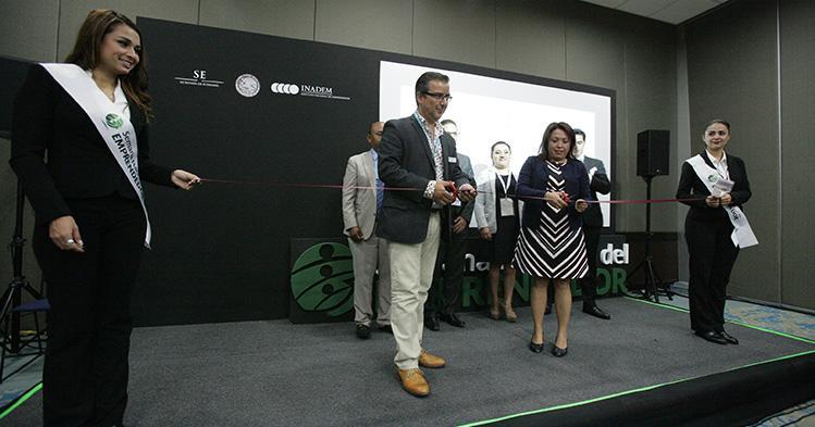 Realiza IPN convenio para impulsar emprendedores
