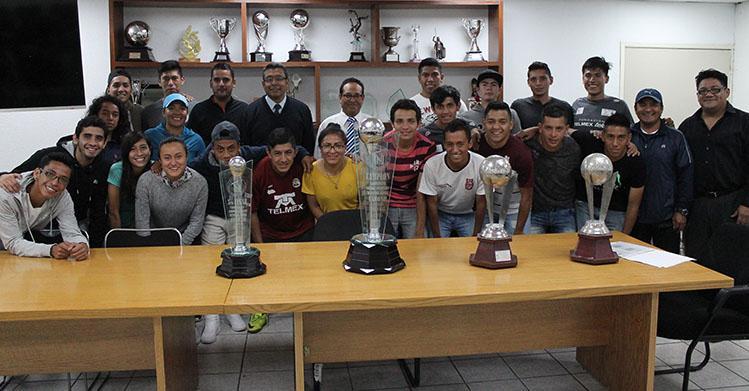 Gana Campeonato Nacional de Fútbol Rápido equipo del IPN