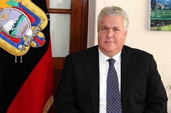 LEONARDO ARÍZAGA, EMBAJADOR DE LA REPÚBLICA DEL ECUADOR EN MÉXICO, VISITA A ESTUDIANTES EN IZTACALCO