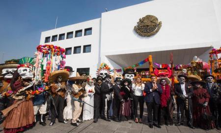 Desfile conmemorativo del Día de Muertos