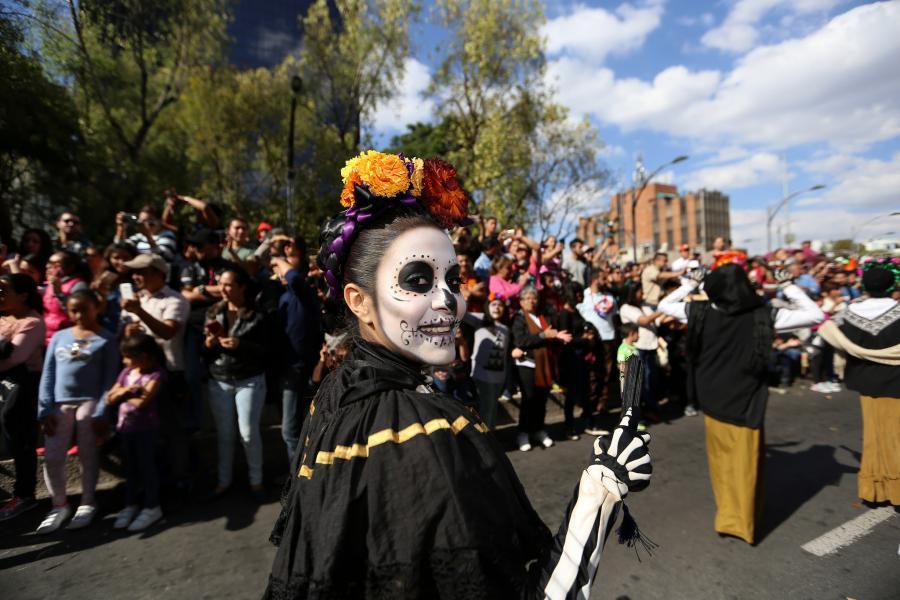 Acuerdo en Gaceta Oficial de CDMX institucionalizará festejos del Día de Muertos