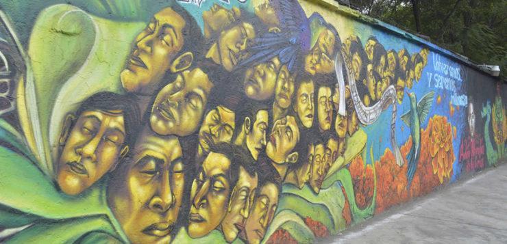 Mural en honor a los 43 estudiantes desaparecidos de Ayotzinapa en Azcapotzalco