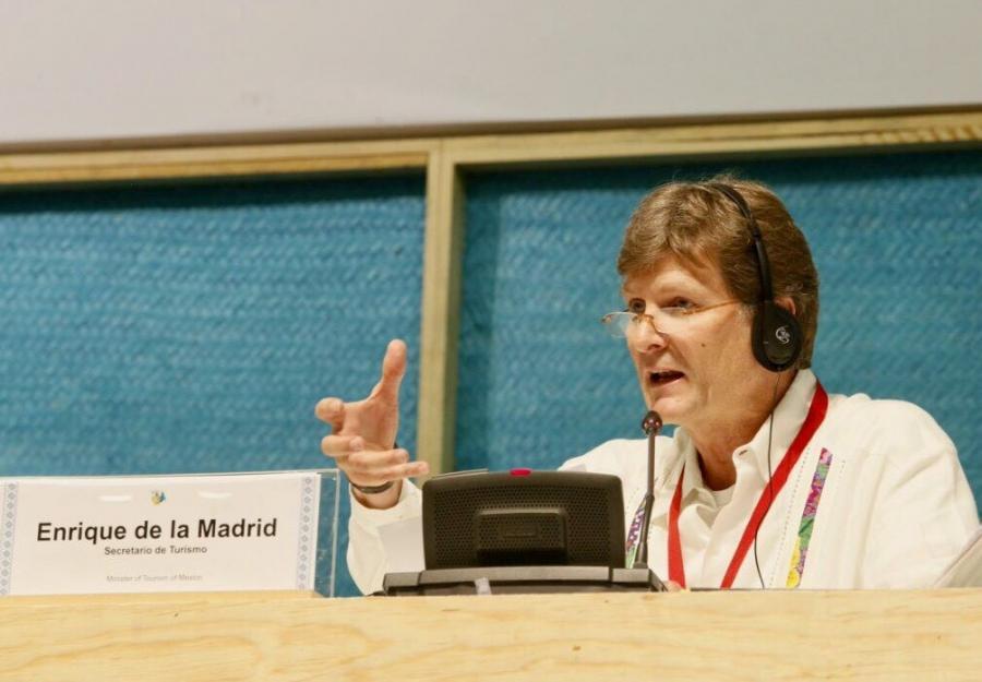 No Creemos en muros, Sino en puentes y Turismo: De La Madrid