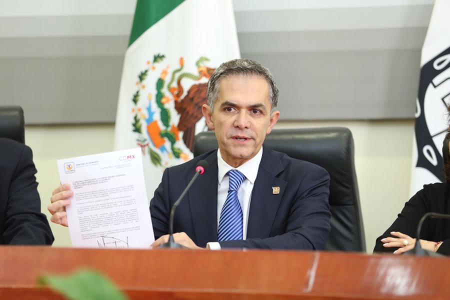 Mancera aclara el proyecto de la Constitución de la CDMX