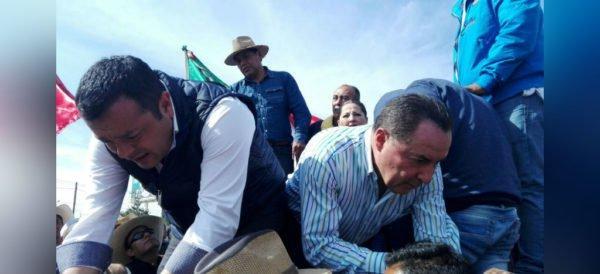 Secuestran a 4 diputados del PRI, en Ixmiquilpan, Hidalgo