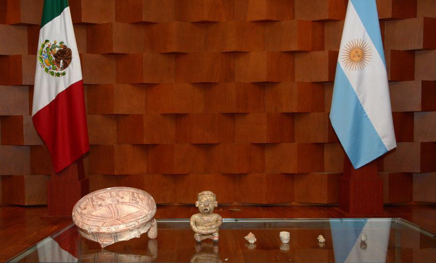 RESTITUYEN A MÉXICO SEIS PIEZAS PREHISPÁNICAS INCAUTADAS EN ARGENTINA