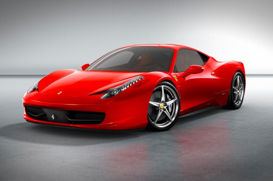 Desmantelan un taller ilegal que fabricaba réplicas de Ferrari y Lamborghini