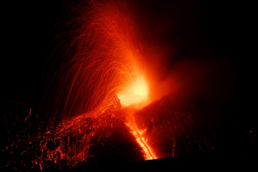 El volcán Etna hace erupción