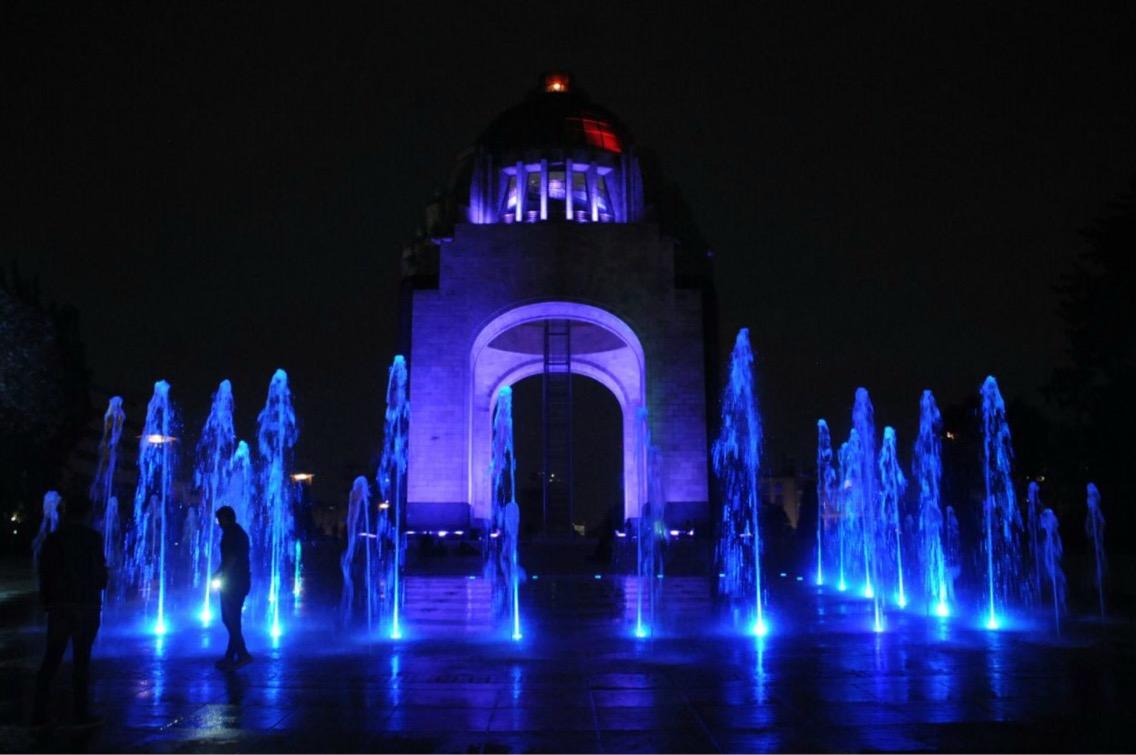 Monumentos de la CDMX se iluminan para conmemorar el Día Internacional de la Mujer