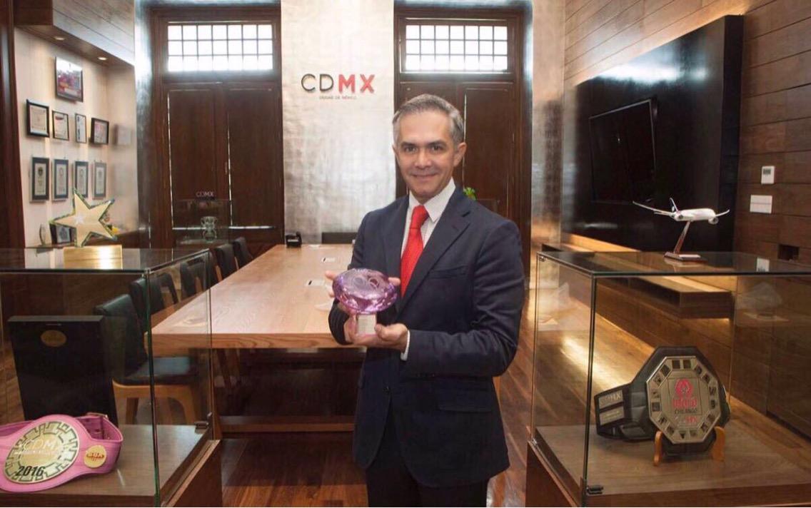 La CDMX recibió el reconocimiento Premios Excelencias Turísticas