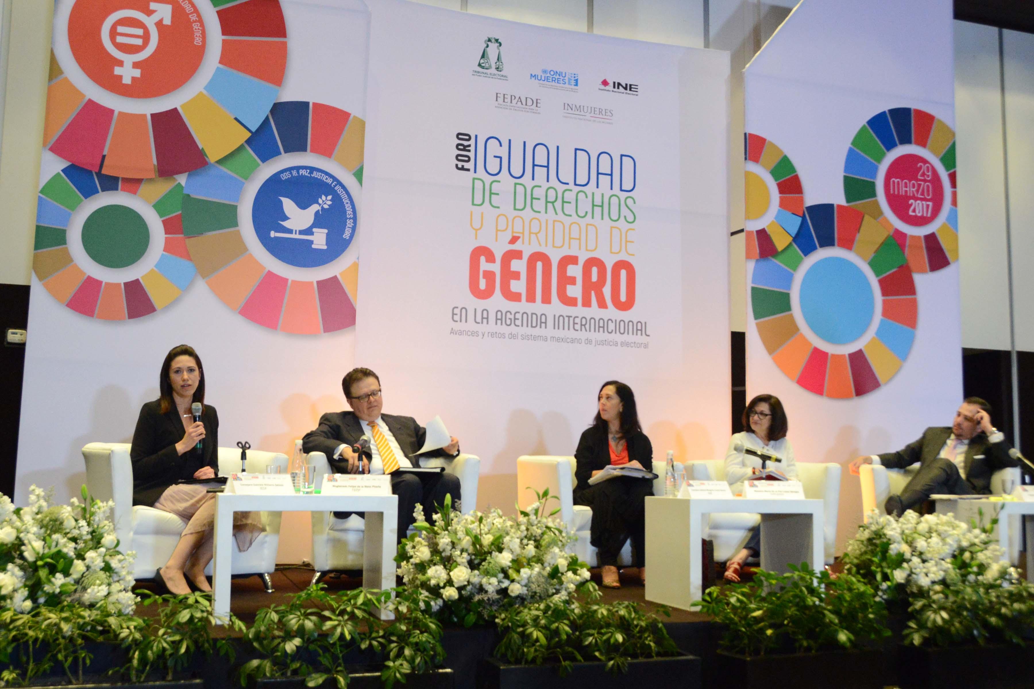 Deben autoridades impulsar la agenda de género en temas como la reelección e integración de congresos locales: consejera Gabriela Williams Salazar