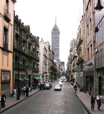 Verifica Gobierno de CDMX agencias de viajes y estacionamientos en Centro Histórico