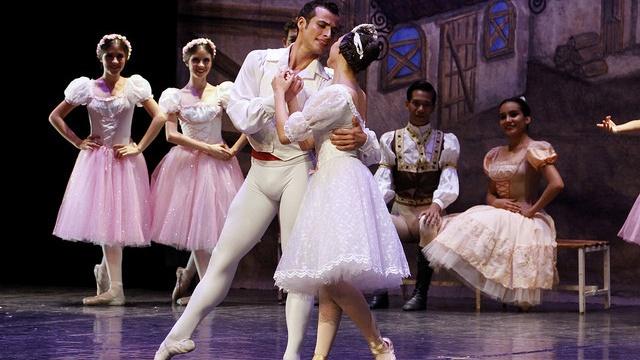 Regresa el ballet Coppelia al Teatro de la Ciudad Esperanza Iris