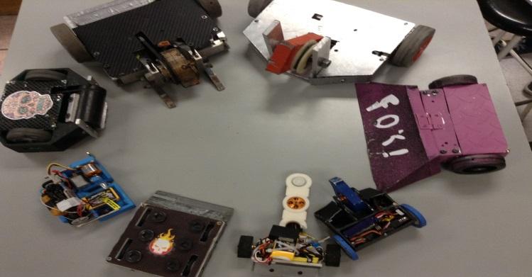 Celebran torneo de mini robótica en la EXPO ESCOM