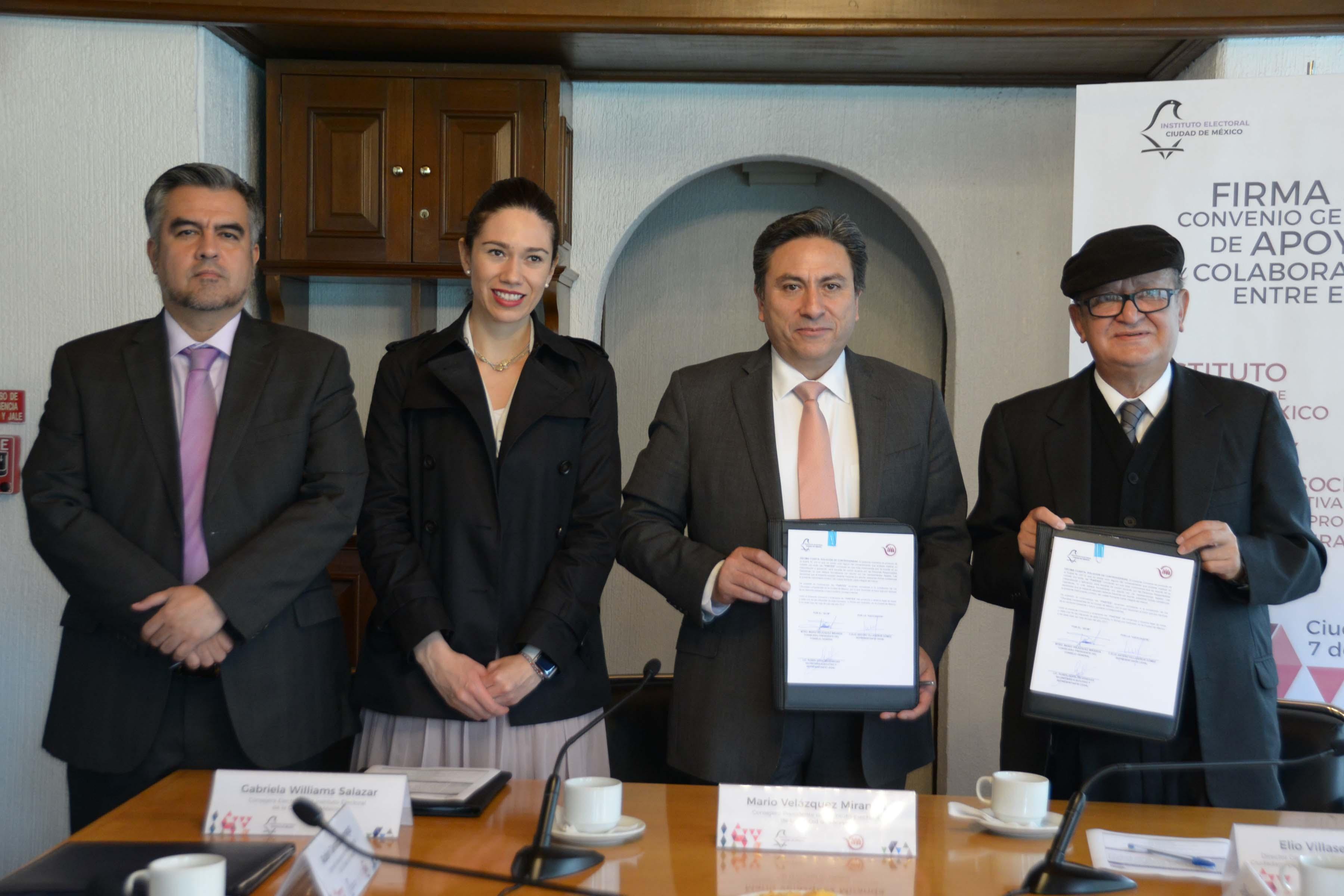 Firma IECM convenio para promover Voto Chilango en el extranjero