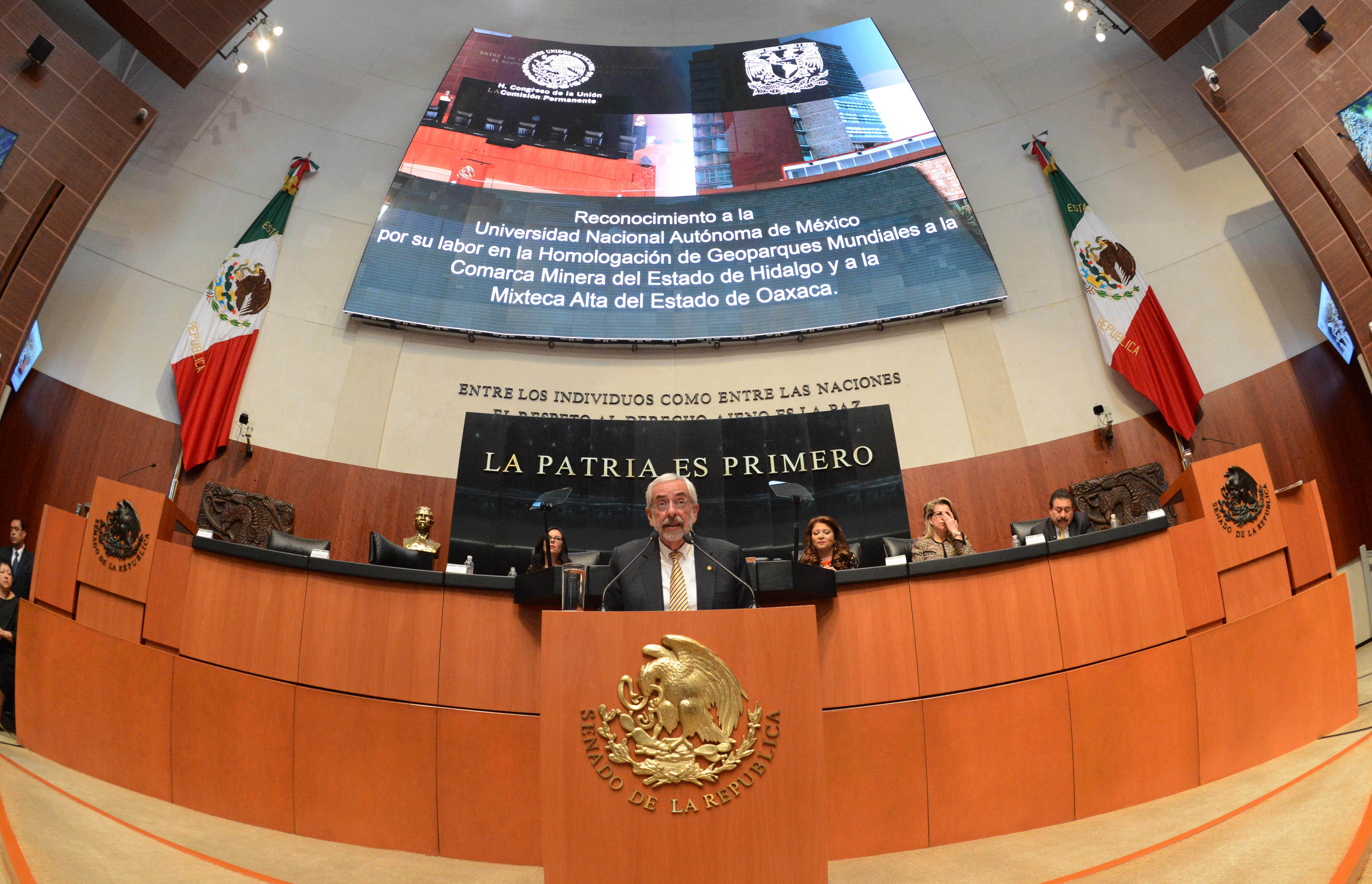 GESTIONARÁN LEGISLADORES MÁS PRESUPUESTO PARA LA UNAM