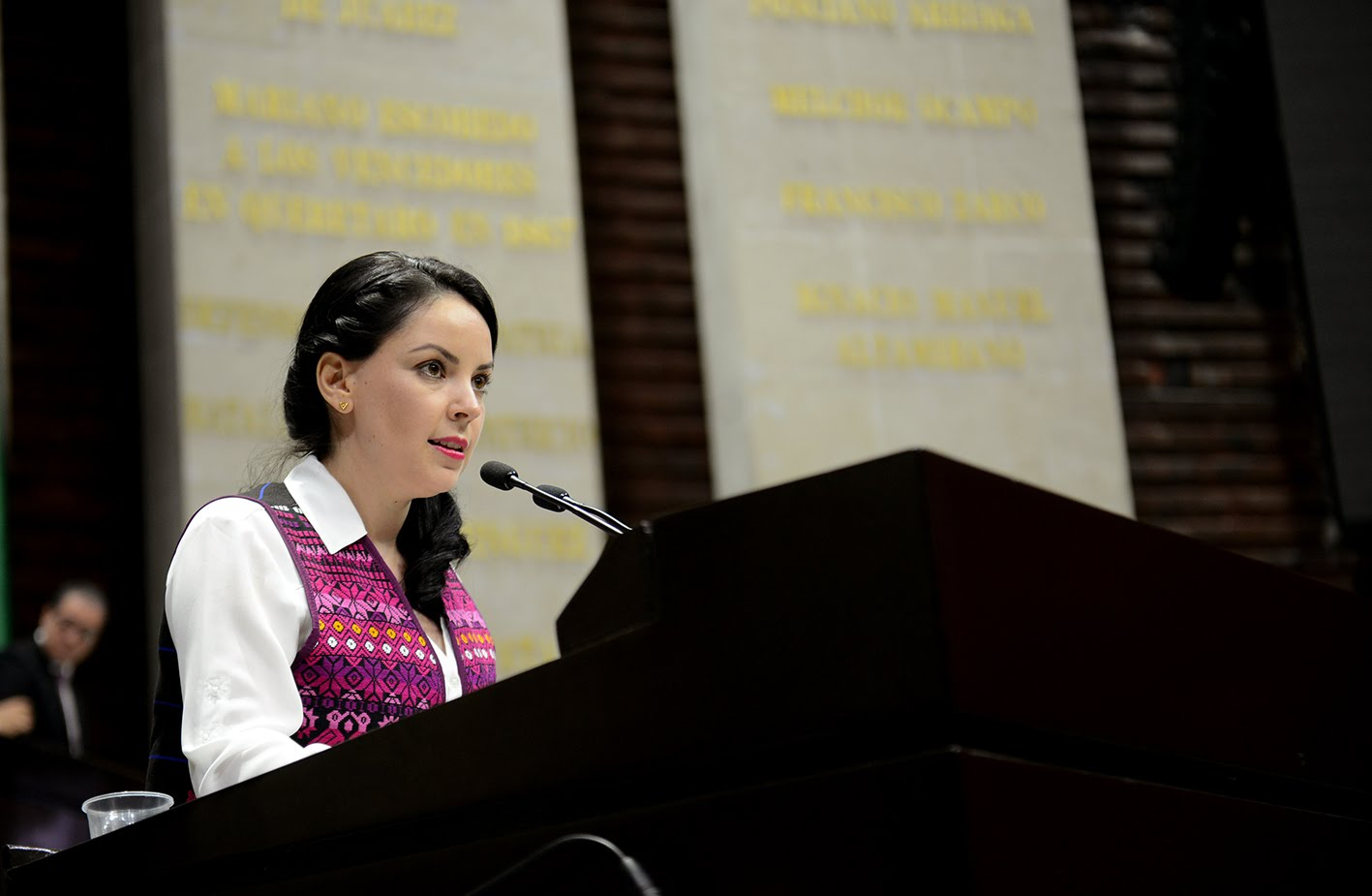 Diputada presenta ante el INE denuncia contra gobernador de Nuevo León por uso ilegal de radiofrecuencia