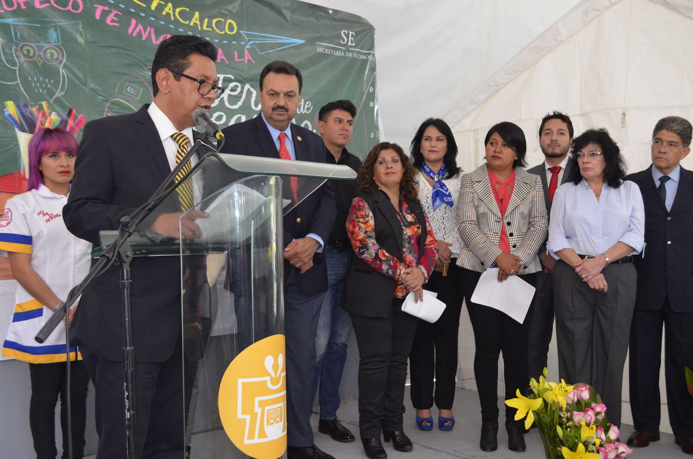 INICIA FERIA DEL REGRESO A CLASES EN IZTACALCO