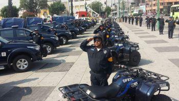 Entrega de patrullas en la delegación Gustavo A. Madero.