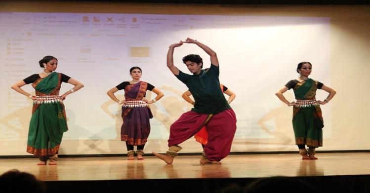Directo desde la India, exhibición de danza Odissi en el IPN