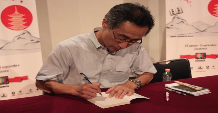 Kyoichi Katayama, autor más vendido en Japón, clausura la FIL-IPN