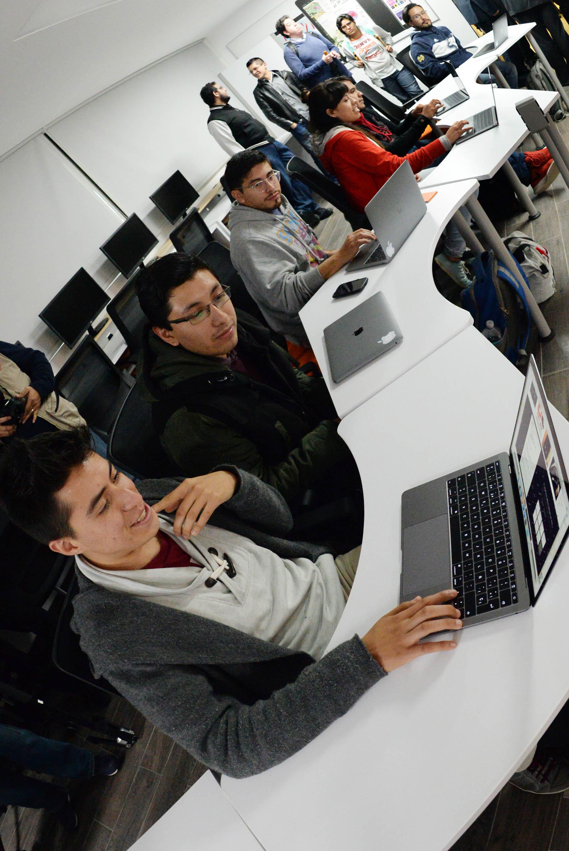 INAUGURA LA FACULTAD DE INGENIERÍA DE LA UNAM EL iOS DEVELOPMENT LAB PARA DESARROLLAR APLICACIONES