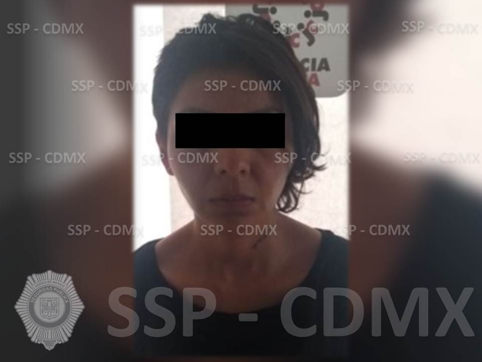 SSP-CDMX DETUVO A UNA MUJER POR ROBO A TRANSEÚNTES EN LA GAM
