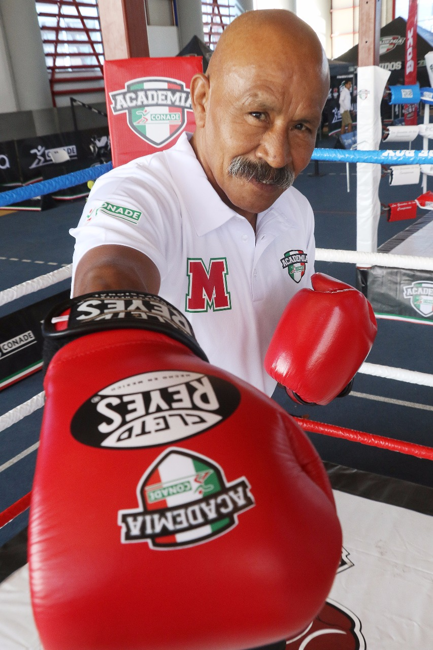 Lupe Pintor, emblemático del boxeo impacta en Academia