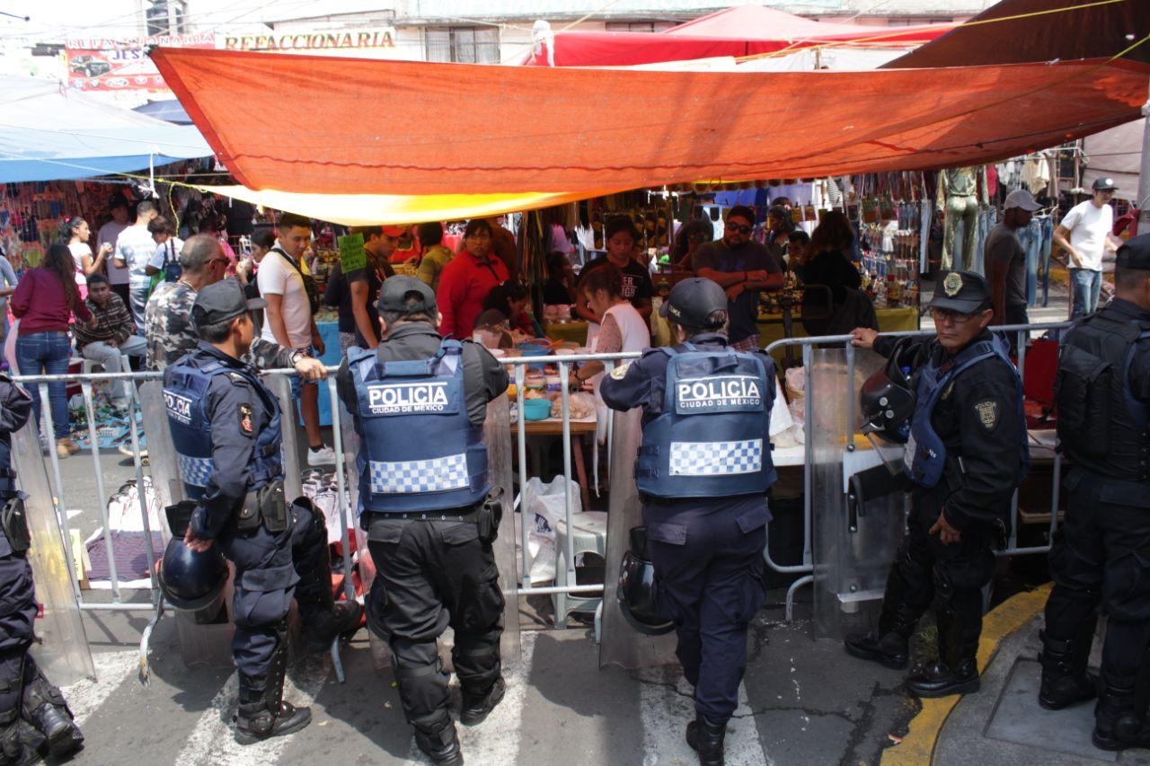 SUSPENDE DELEGACIÓN IZTAPALAPA ZONA DE PAQUEROS EN EL TIANGUIS TEXCOCO