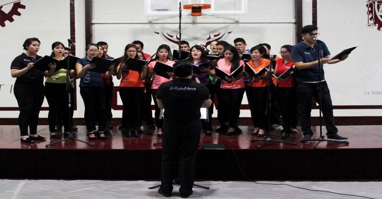 Coro Alpha Nova del IPN se presentó en CECyT 12 con canciones de películas de Disney