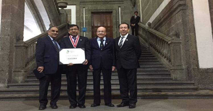 Ingresa politécnico a la Academia de Ingeniería de México
